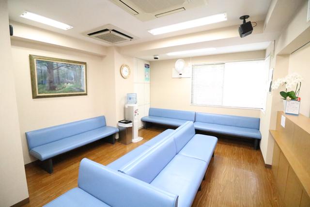嶋崎内科医院/待合室